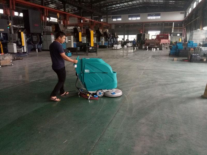 洁士AM1900TM全封闭驾驶式扫地机,洁士AM1900TM全封闭驾驶式扫地车,洁士AM1900TM电动驾驶式扫地车/扫地车